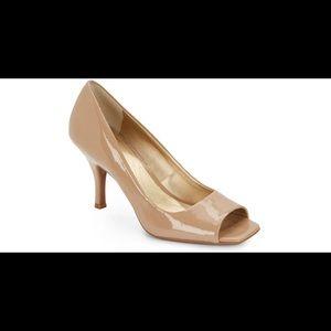 Tahari Marie Nude patent leather Peep Toe Heels